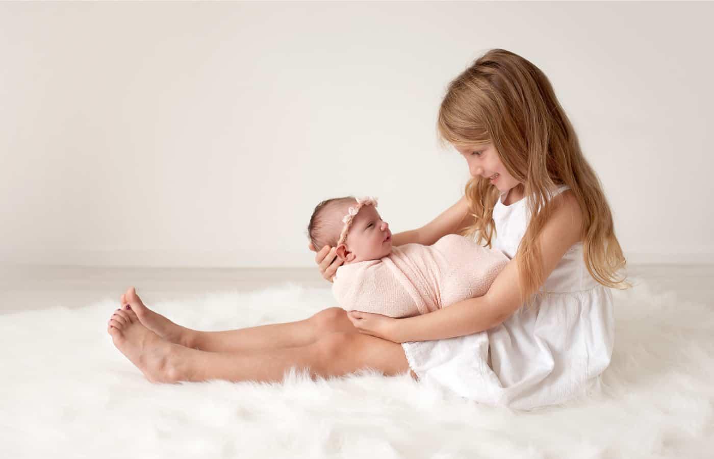 images-newborn-posing-07