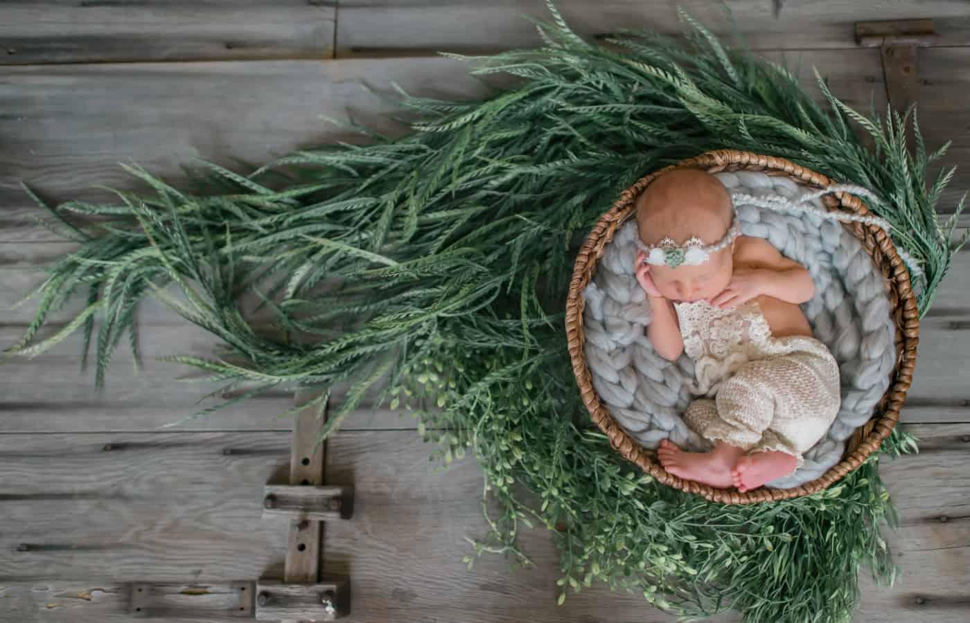 images-nurse-newborn-03