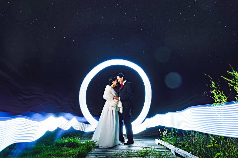 "Eirik Halvorsen: ""Your Last Photo Is the Most Important"": Ring of Light Wedding Portrait"