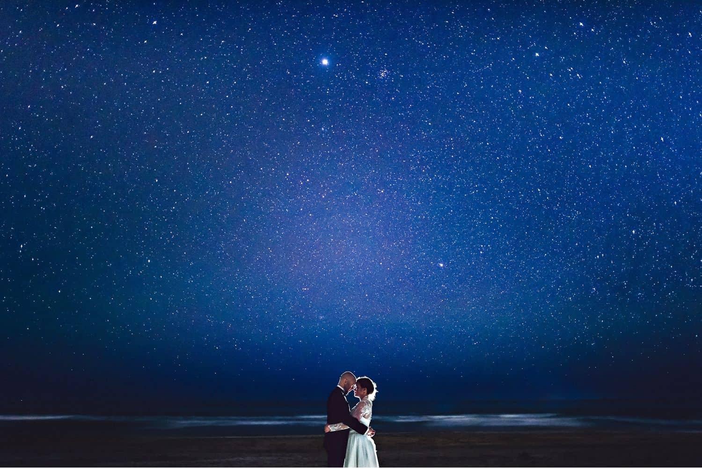 "Eirik Halvorsen: ""Your Last Photo Is the Most Important"": Starry Night Wedding Portrait"