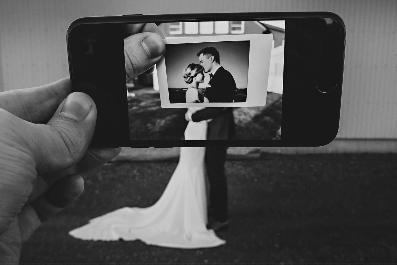 "Eirik Halvorsen: ""Your Last Photo Is the Most Important"": Genius iPhone Wedding Portrait"