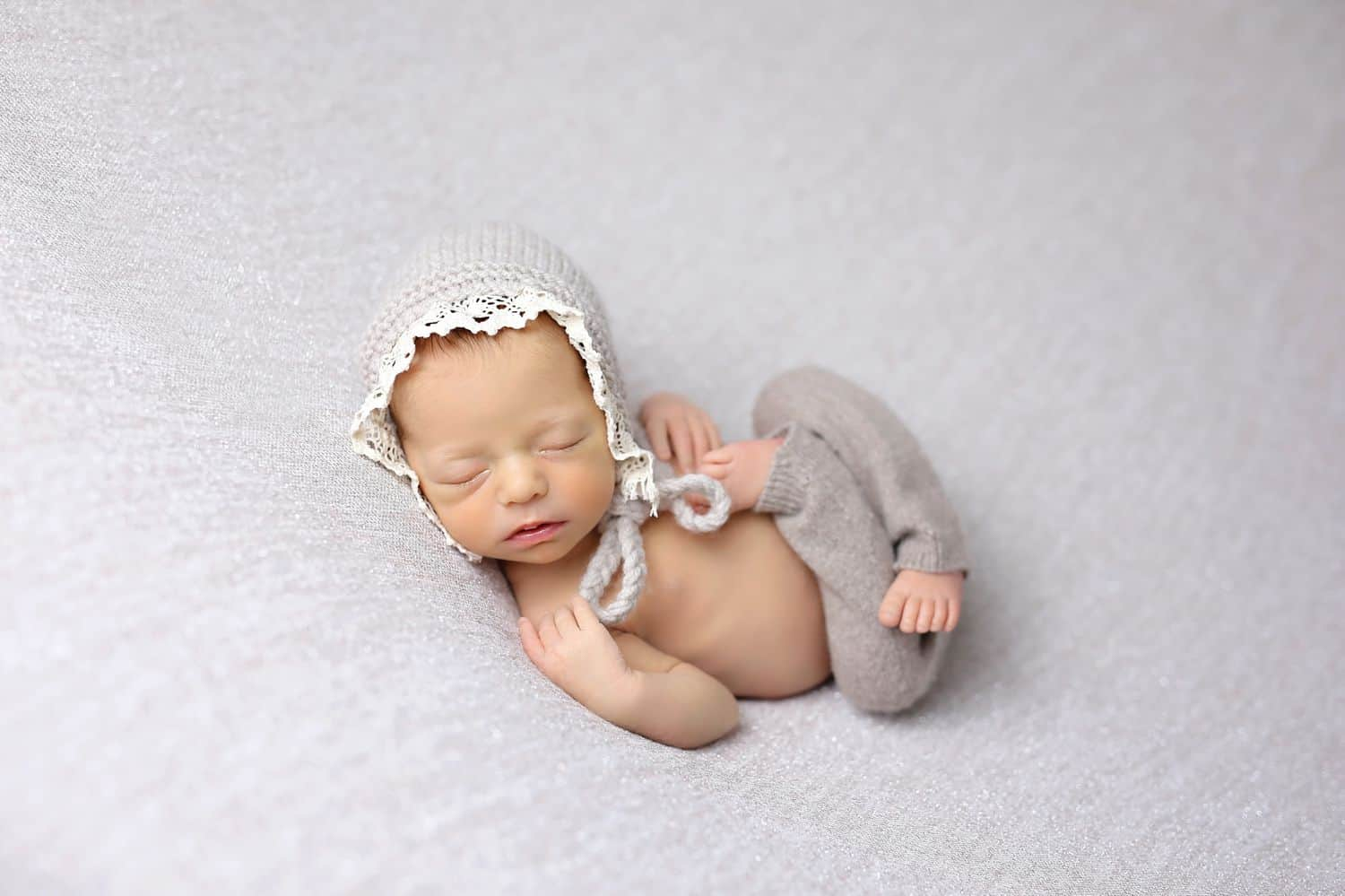 How To Attract New Clients In 3 Bold Business Moves: Baby in neutrals by Cassie Clayshulte