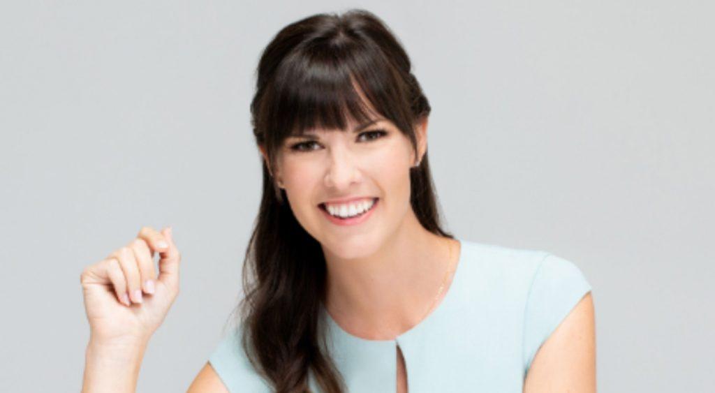 Erin Youngren headshot