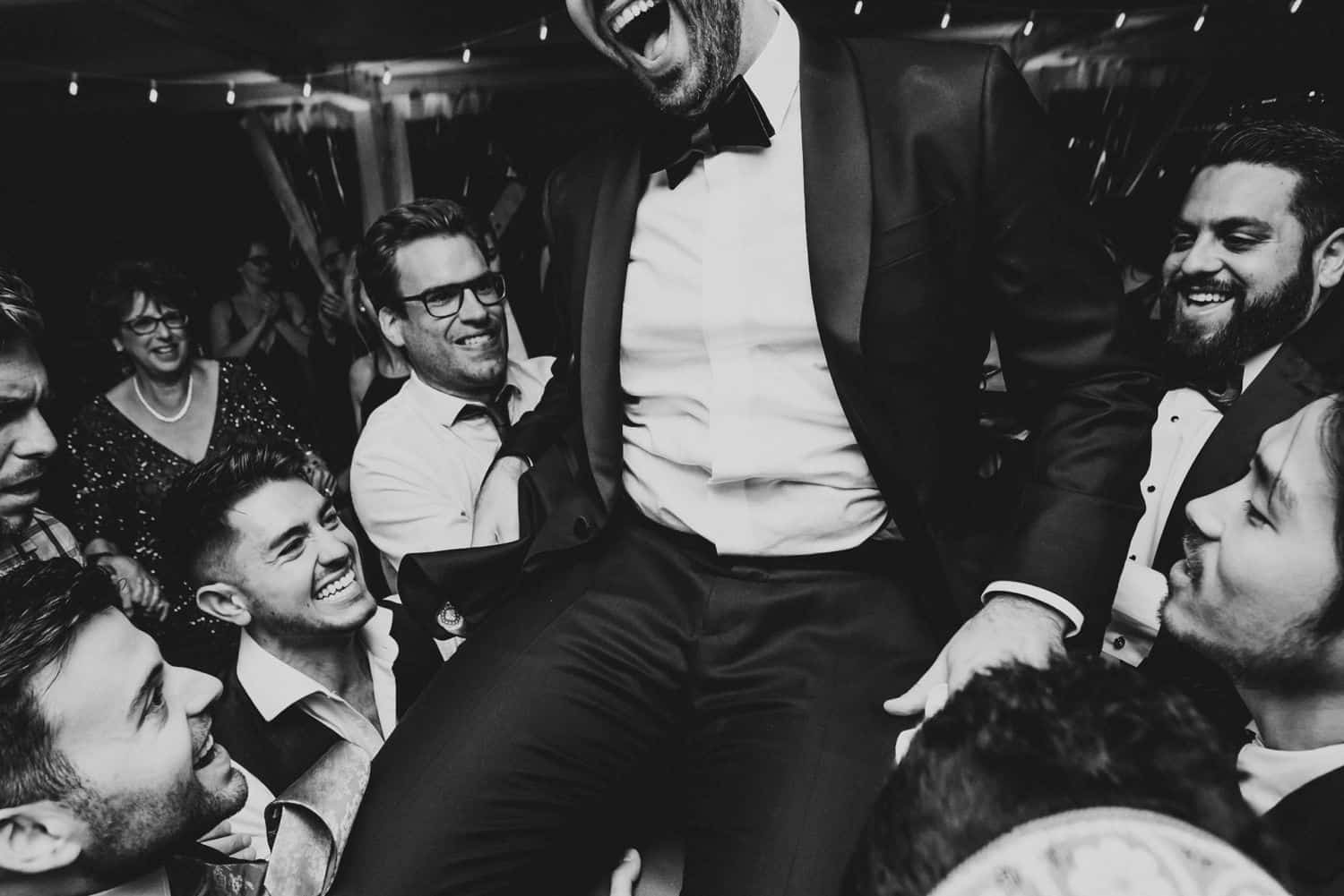 Photography Trends: Dancing the Hora in Black and White